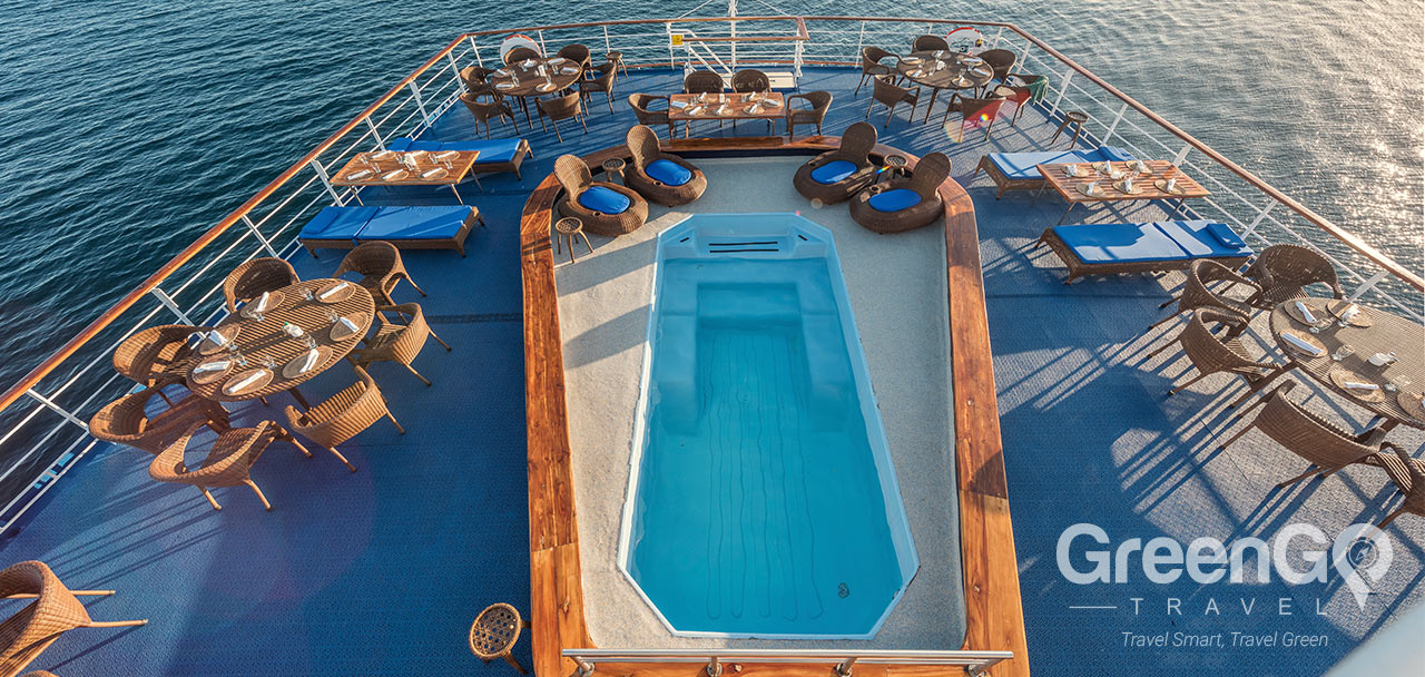 Legend Galapagos Ship - Pool 2