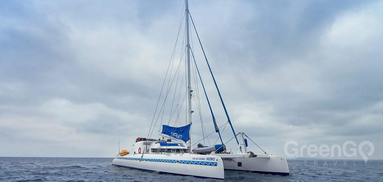 Nemo 1 Galapagos Catamaran - Panoramic View