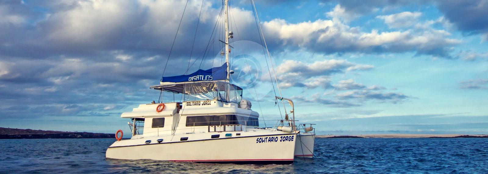 Catamaran Solitario Jorge Galapagos
