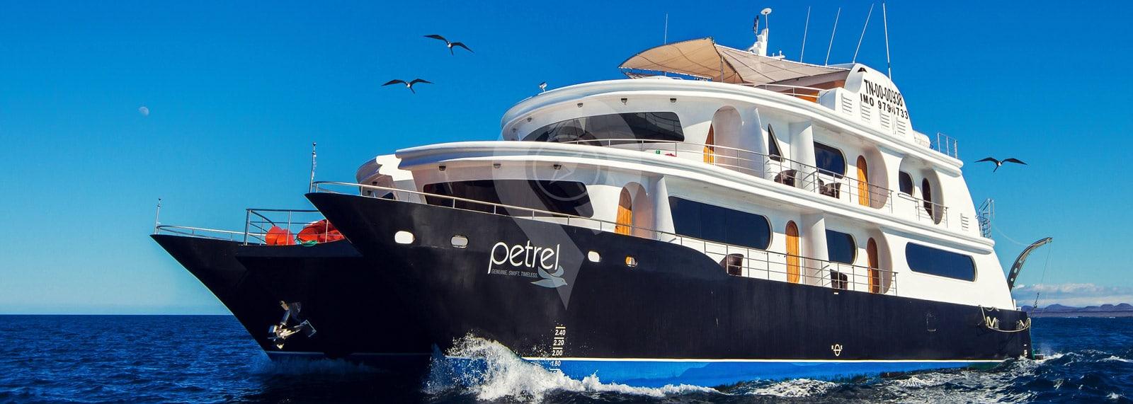 Catamaran Petrel Galapagos