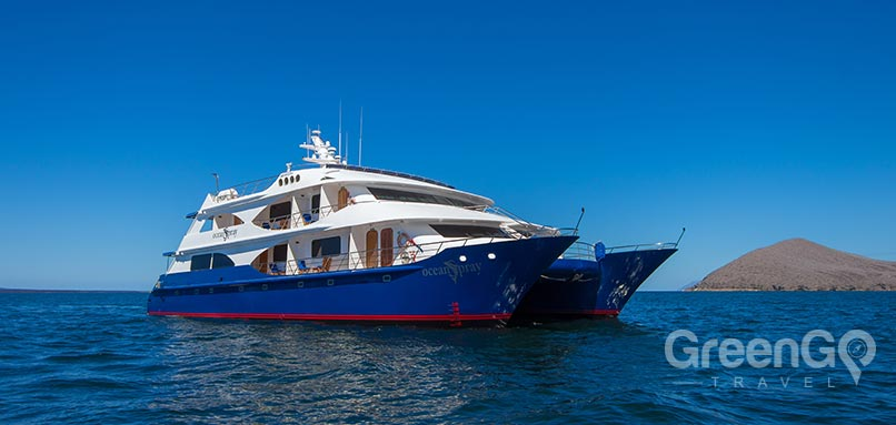 galapagos-vs-caribbean-Galapagos-catamaran