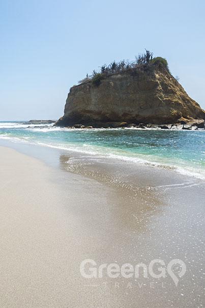 Queen Beatriz Dummies Guide-Beach Shot