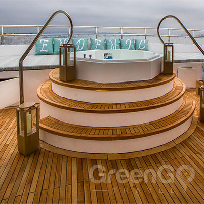 Endemic-Catamaran-specifications-Jacuzzi