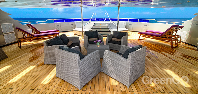 Camila Cruise Specifications and Comforts-Sun-Deck-and-Jacuzzi-of-the-Camila