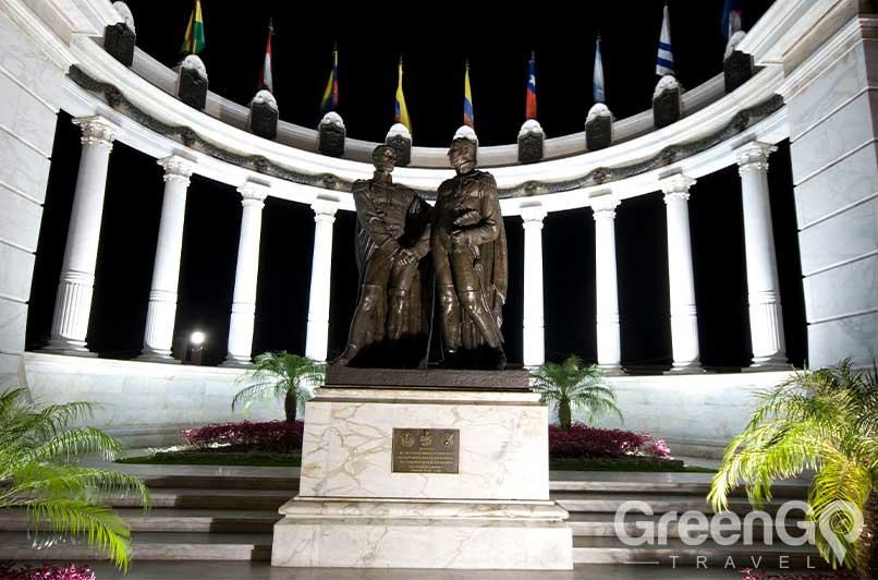 Things-to-do-in-Guayaquil-Rotunda